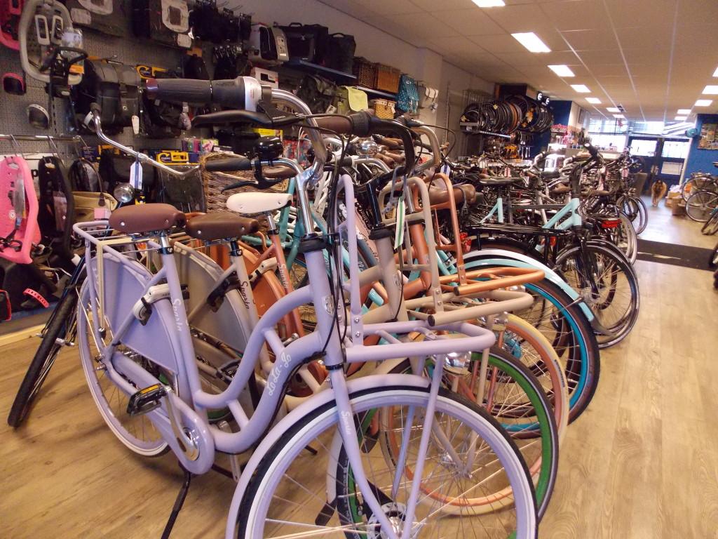 fietsshop uitgeest stadsfiets sparta lola jo